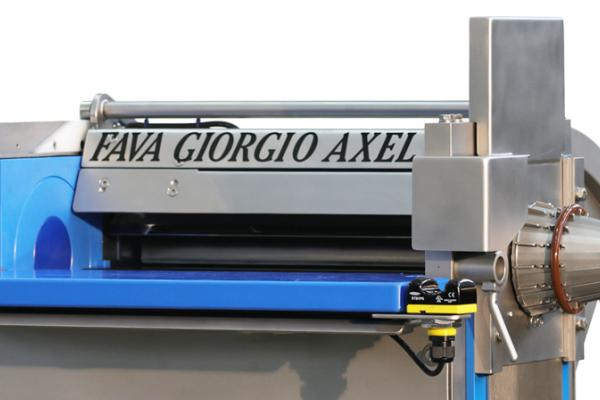 Macchinari industriali: Casing and modeling machine